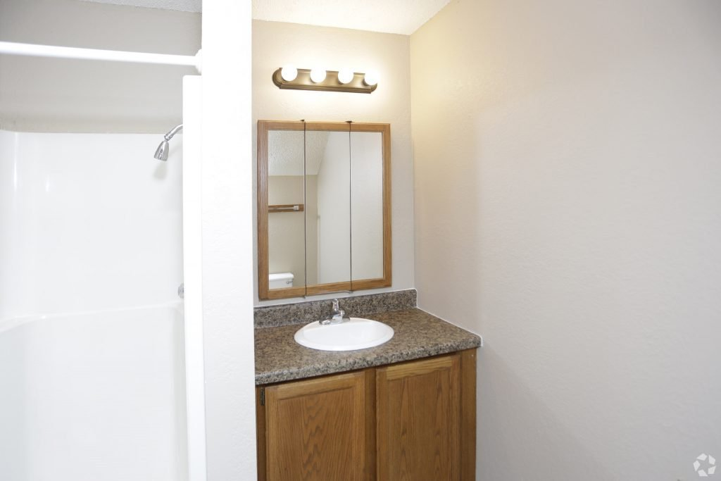 Carrington Court Townhomes for Rent Grand Forks