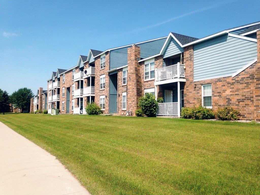 Carrington Court Apartments Grand Forks