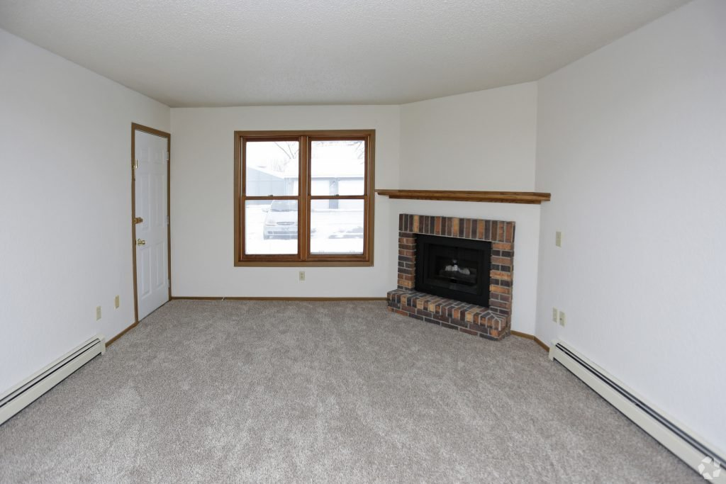 Carrington Court 2 bedroom 1 level flat for rent in Grand Forks