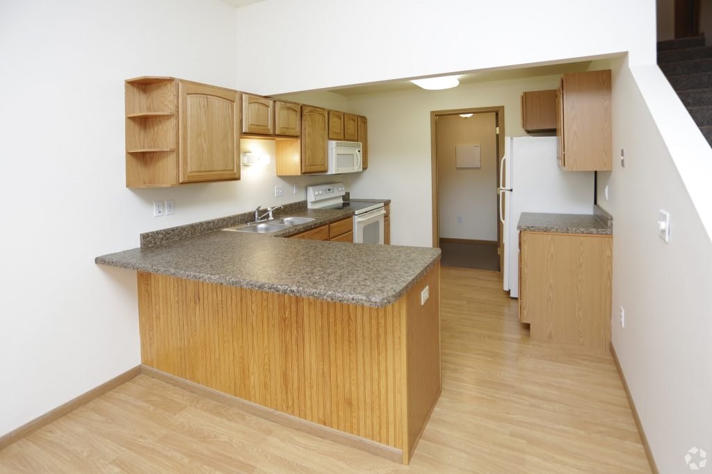 south-hampton-townhomes-grand-forks-nd-2-bedroom-kitchen