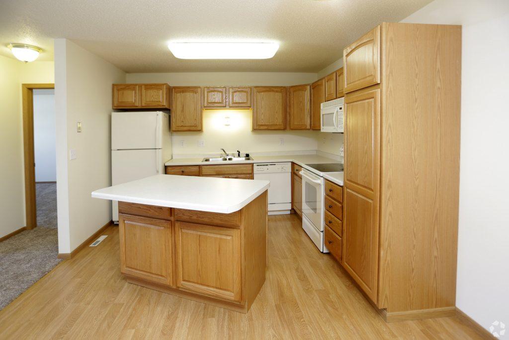 South Hampton Grand Forks Apartments