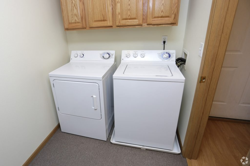 South Hampton Townhomes for Rent Grand Forks with washer/dryer