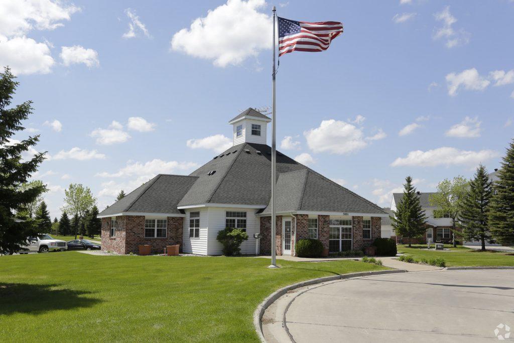 Hampton Management Grand Forks Hampton Management