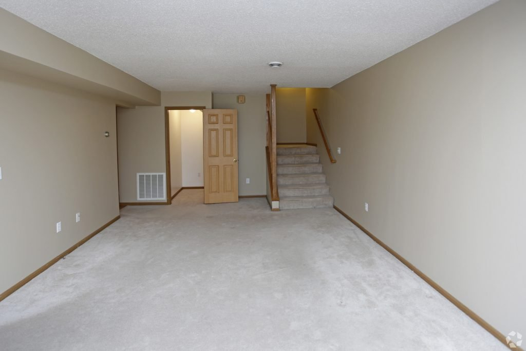 times-square-townhomes-grand-forks-nd-two-bedroom-living-area