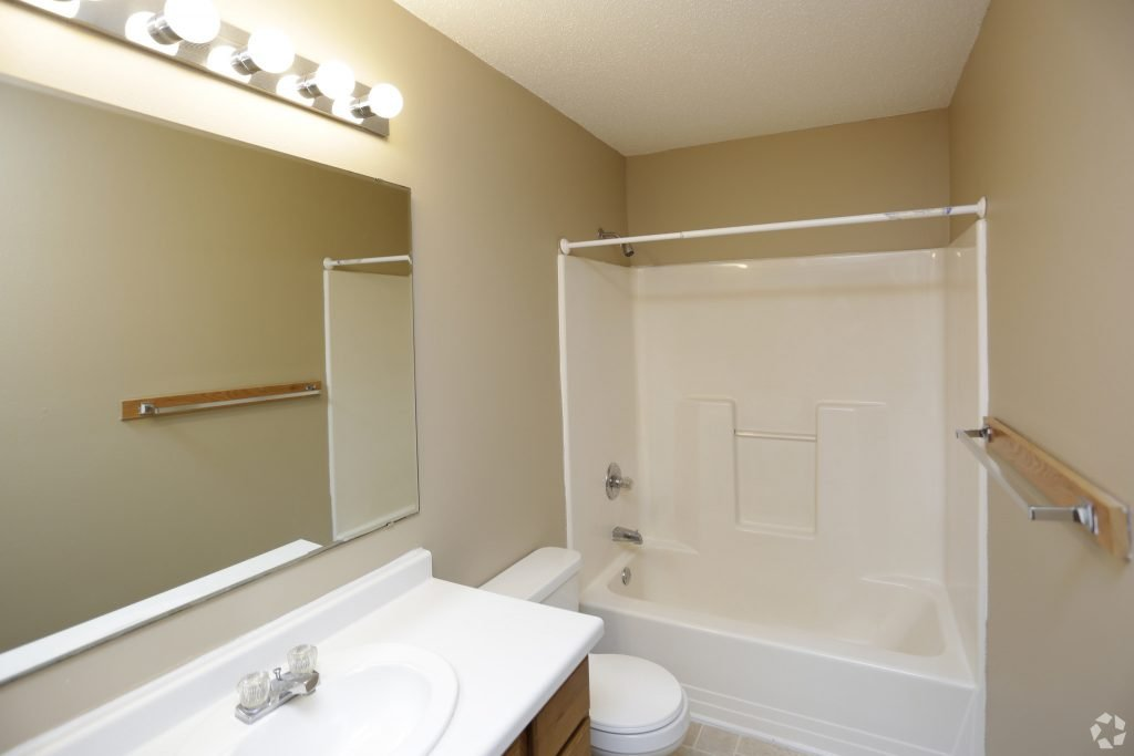 times-square-townhomes-grand-forks-nd-two-bedroom-second-bathroom