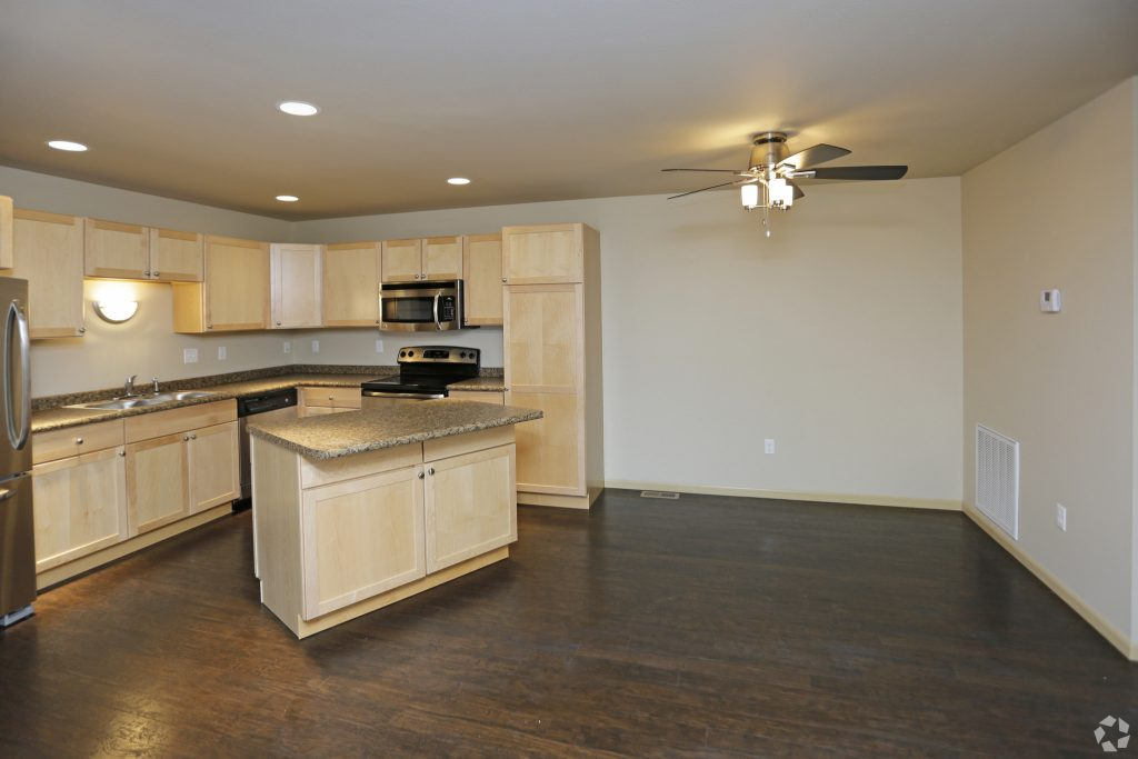 Steeples luxury townhouse apartments grand forks hampton - One bedroom apartments grand forks ...